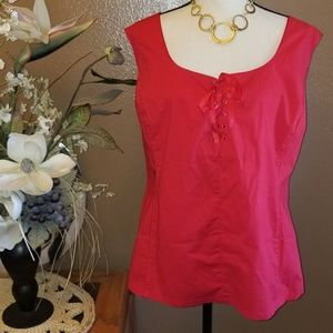 🌺AVENUE RED SLEEVELESS BLOUSE